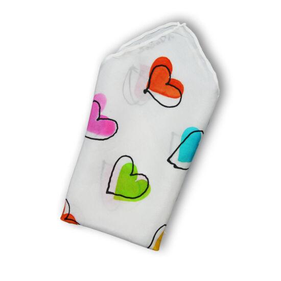 Szívek díszzsebkendő